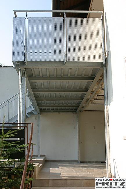 balkon stahlbalkon 24 06. Black Bedroom Furniture Sets. Home Design Ideas