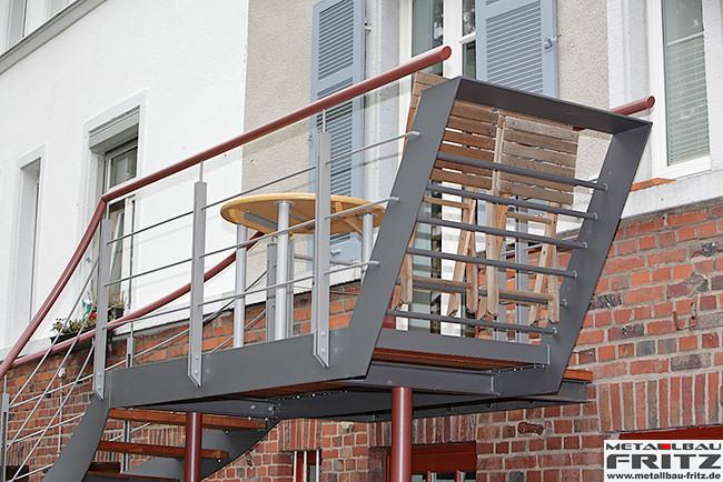 stahlbalkon balkongel nder 37 06. Black Bedroom Furniture Sets. Home Design Ideas