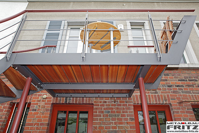 stahlbalkon balkongel nder 37 08 schlosserei metallbau fritz. Black Bedroom Furniture Sets. Home Design Ideas