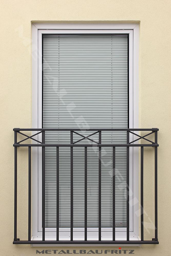 franzosischer balkon mit einer kreuzborde franzosischer balkon 61 01 c by
