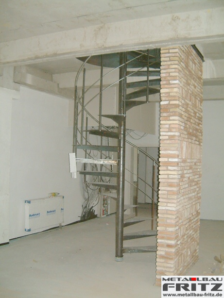 spindeltreppe innen 04 03 schlosserei metallbau fritz. Black Bedroom Furniture Sets. Home Design Ideas