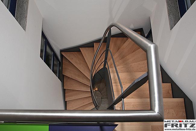 Halbgewendelte Treppen metallbau fritz wangentreppe innen 12 10
